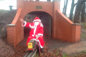 Santa visits Tunnel via the club loco!